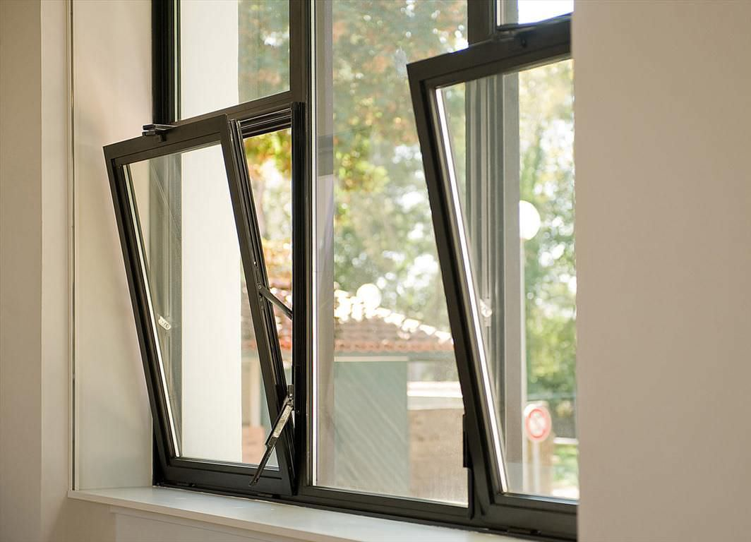 Aluminium windows west bridgford glass for Metal window designs